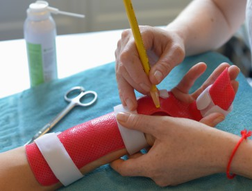 ergothérapie-de-la-main-moyens-de-traitement-photo-illustration-8